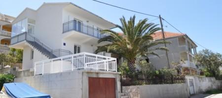 Trogir, maison à vendre premier ligne de mer