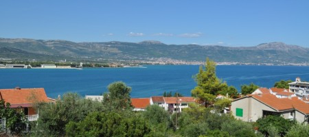 Trogir, terrain constructible avec vue mer a vendre
