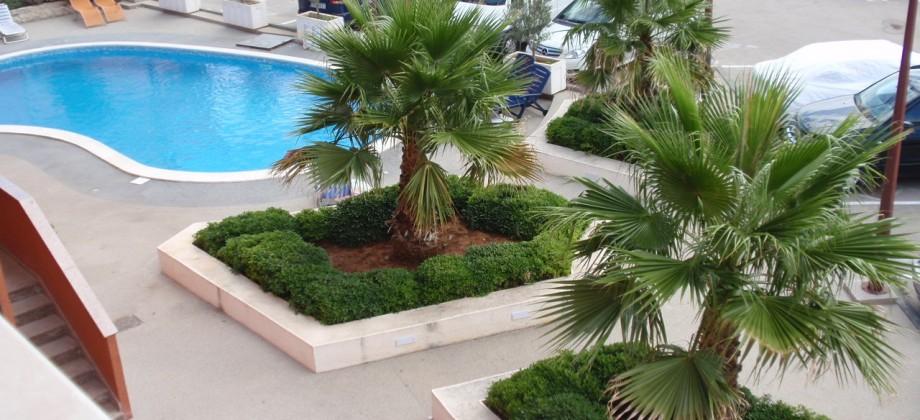 Croatie, Vodice, appartement deux pièces a vendre, vue mer, 100 m de la plage!