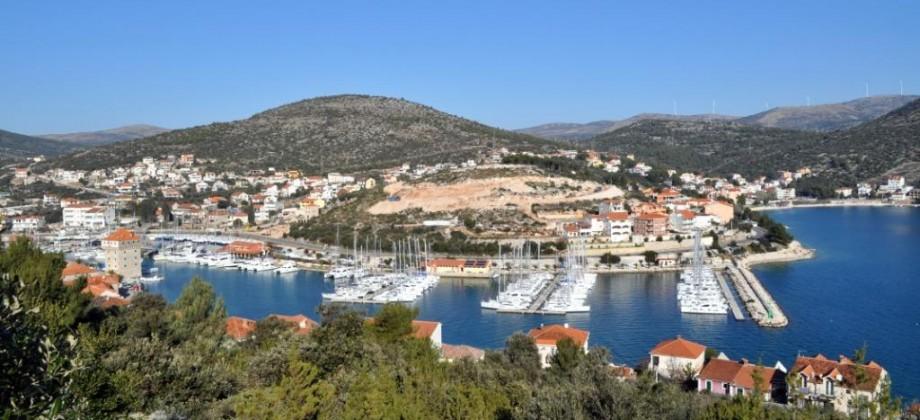 Trogir-Marina, à vendre terrain constructible avec magnifique vue mer!