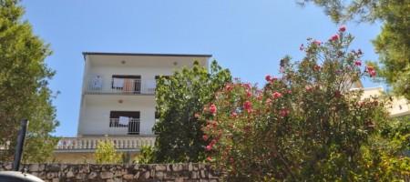 Île de Ciovo, a vendre maison premiere ligne de la mer!