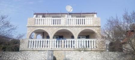 Rogoznica, à vendre maison première ligne de la mer