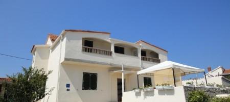 Île de Drvenik, maison à vendre 1ère ligne à la mer
