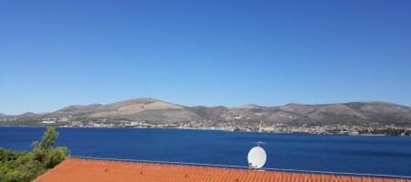 Okrug Gornji, appartement avec deux chambres, vue mer, garage