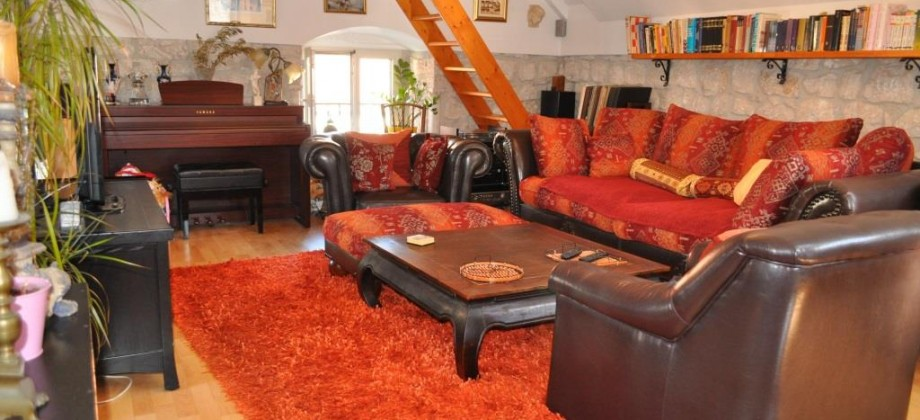 Trogir à vendre  maison en pierre entièrement rénovée et aménagée!