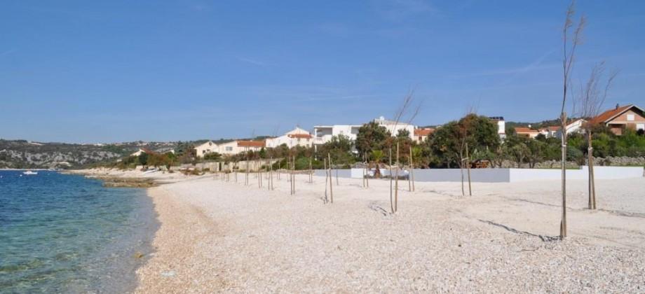 A vendre terrain constructible premiere ligne de la mer!