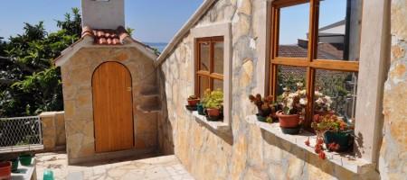 Okrug à vendre maison jumelée avec trois appartements, vue mer