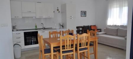 Beaux appartements confortables de deux chambres 80 m²