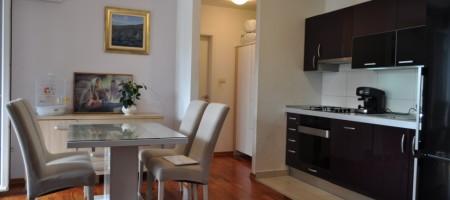 Opportunité excellente! Appartement avec deux chambres près de la mer et du centre ville