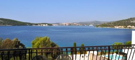 Rogoznica maison à vendre avec magnifique vue mer
