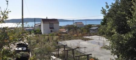 Kastela, terrain constructible 630 m2 avec permis de construire