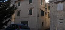 Trogir, maison en pierre à rénover