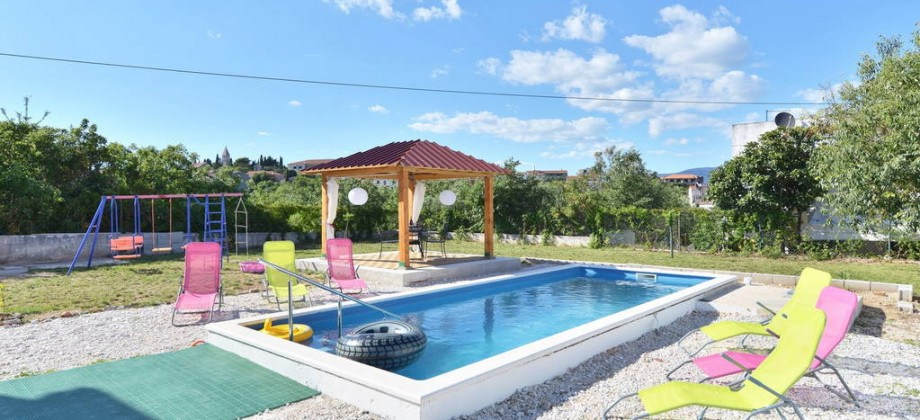 Maison individuelle avec piscine à vendre