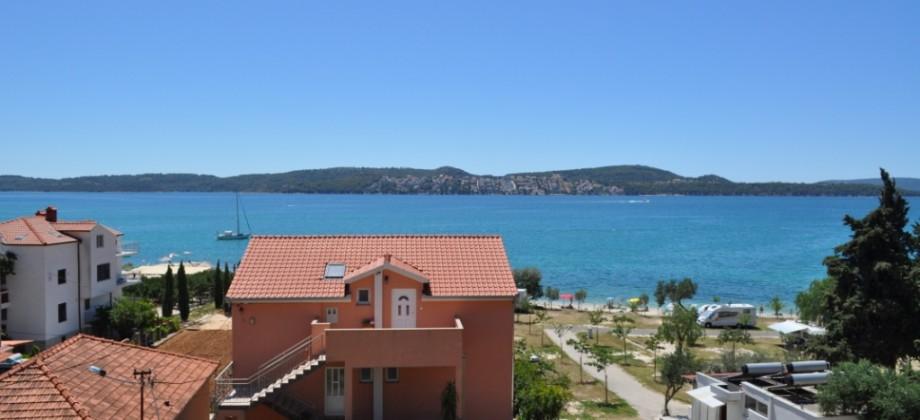 A vendre appartements neufs avec trois chambres, magnifique vue mer