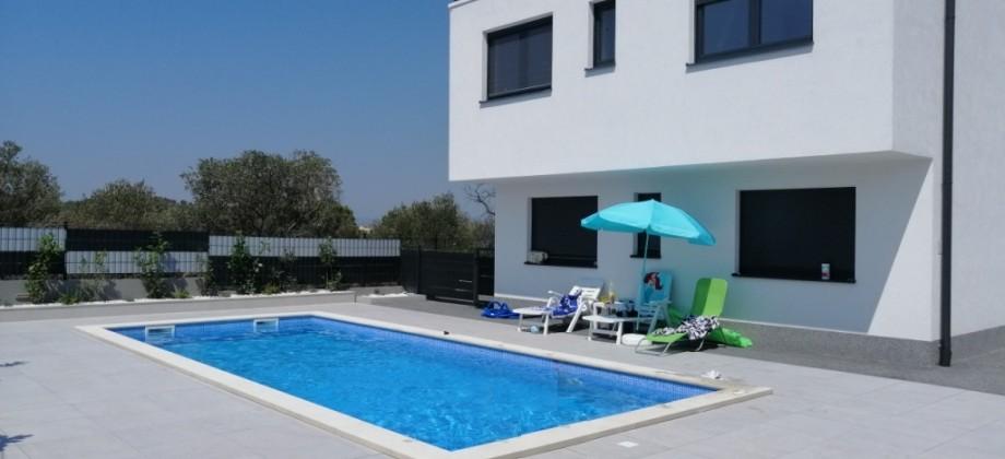 Penthouse de luxe avec trois chambres, terrasse sur toit