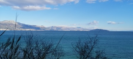 Terrain constructible avec vue mer et vue sur Split