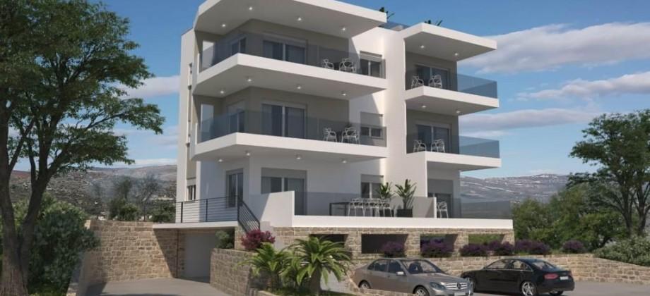 Trogir Ciovo, à vendre appartement penthouse avec terrasse privée sur le toit offrant magnifique vue mer