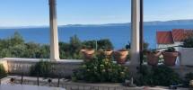 Okrug Gornji, à vendre charmante maison  jumelée avec magnifique vue mer